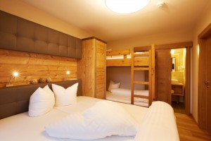 slaapkamer met stapel